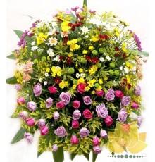 Coroa de flor do campo com Rosas